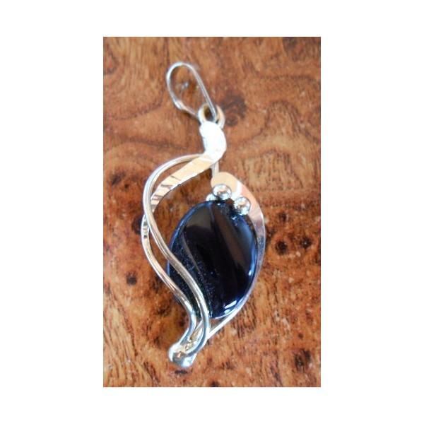 Onyx pozlacený šperk